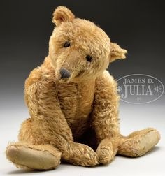 DELIGHTFUL VERY EARLY LARGE STEIFF BEAR WITH BUTTON. Circa 1907.