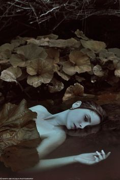 Marta Bevacqua (aka Moth Art) has mastered the art of simple portraiture. The gifted photographer captures stunning portraits of women with facial expressions Fantasy Photography, Underwater Photography, Portrait Photography, Art Photography Women, Levitation Photography, Photography Studios, Exposure Photography, Inspiring Photography, Winter Photography