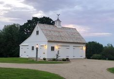 Designers and manufacturers of Fine New England Style Post & Beam Carriage Houses, Garden Sheds and Country Barns. Carriage House Garage, Barn Garage, Garage Plans, Garage Ideas, Garage House, Car Barn, Diy Garage, Garage Workshop, Door Ideas