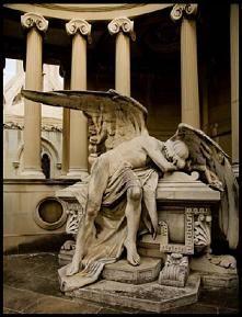 De turismo por los cementerios de Barcelona