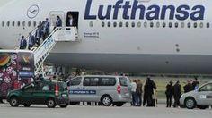 Niemiecka drużyna opuszcza 747-8 / #German #football team leaving #747-8