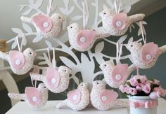 Bird Sachets on Jewellery Display Tree Felt Crafts, Easter Crafts, Diy And Crafts, Sewing Crafts, Sewing Projects, Projects To Try, Bird Party, Baby Shawer, Felt Birds
