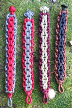 color ideas 4 new bracelets close pic. Paracord Braids, Paracord Knots, Paracord Bracelets, Macrame Bracelets, Macrame Knots, Micro Macrame, Jewelry Knots, Jewelry Crafts, Jewellery