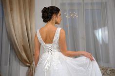 Платья в наличии и на заказ по вашим меркам за сутки. Wedding Dresses, Fashion, Bride Gowns, Wedding Gowns, Moda, La Mode, Weding Dresses, Wedding Dress, Fasion