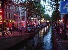 Amsterdam - Woonplaats Woonachtig op de ceintuurbaan in het pitoreske stadsdeel de Pijp