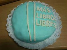La tarta de la Inauguración!!! Nos gusta leer y también tenemos aficiones gastronómicas