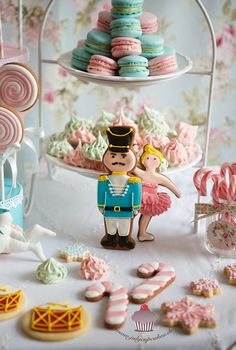 July`s Cupcakes and Cakes World: CANDY CHRISTMAS