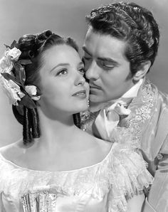 Tyrone Power Linda Darnell in The Mark of Zorro One of my favorite movies. When I was a little girl I would walk around with an old curtain on my head like a Spanish veil, to try to look like Linda Darnell's character Lolita Quintero. Hollywood Stars, Old Hollywood Movies, Golden Age Of Hollywood, Vintage Hollywood, Hollywood Glamour, Classic Hollywood, Hollywood Actresses, Hollywood Icons, Tyrone Power