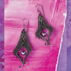Wire Wrapping: Mastering the Basic Figure-Eight Weave. Wire wrapping how-to with Sarah Thompson
