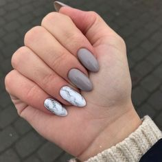 Untitled ongles en 2019 nails, acrylic nails et gray nails. Almond Nails Designs, Marble Nail Designs, Nail Art Designs, Different Nail Shapes, Water Nails, Nagel Blog, Nagellack Trends, Nail Polish, Nail Manicure