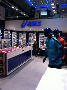 #ASICS has brought science & tech in store, incl. a running lab, offering unique customer experience