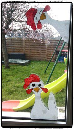 poules à accrocher aux fenetres pour paques, bricolages paques, enfant; décoration