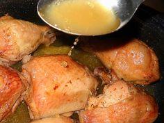 Pulpe de pui cu vin si usturoi la cuptor Potatoes, Meat, Chicken, Vegetables, Food, Potato, Essen, Vegetable Recipes, Meals