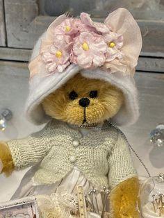 Cindy by Shaz Bears on Tedsby Cute Teddy Bears, Bear Toy, Australian Artists, Pdf Sewing Patterns, Fashion Dolls, Art Dolls, Hand Sewing, Doll Clothes, Plush