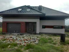 Projekt E158 dom z poddaszem użytkowym, elewacja szaro drewniana Garage Doors, Outdoor Decor, Home Decor, Decoration Home, Room Decor, Home Interior Design, Carriage Doors, Home Decoration, Interior Design