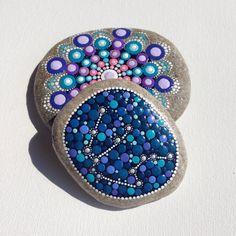 Gartendekoration - Mandala - Gemalter Stein Fee Garten violet - ein Designerstück von CreateAndCherish bei DaWanda