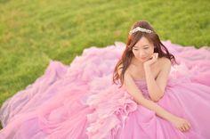 * ふわふわのお座り姫shot * ん?自分で言うなって…?! 分かってますよ➰笑♥ * すいません * * このpicは、ダウンスタイルに ティアラ+ピンクヘイリーちゃんで 「The Princes」にしてもらいました * ティアラは @juliebridal.jp さんから お借りしたもの激かわです。 * 最近愚痴ばかりになっていましたが、 少し出来てきました✨ * 頑張るぞぉ➰➰➰ * photo by @hirokiphoto #verawangbride#verawang#weddingdress#wedding#bride#hawaii#hawaiiwedding#hayleypink #pinkhayley#hayley#dress #ヴェラウォンブライド#ヴェラウォン#ハワイウェディング#ピンクヘイリー#ヘイリーピンク#ペタルピンク