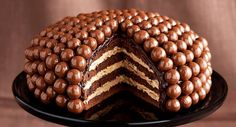 Extra čokoládový dort s čokoládovými koulemi