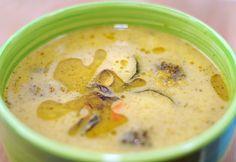 Weganie: Zupa brokułowo-cukiniowa z kaszą jęczmienną Cheeseburger Chowder, Hummus, Food And Drink, Ethnic Recipes, Healthy Dinners, Fit, Clean Dinners, Shape, Healthy Meals