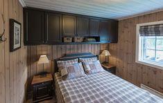 Cabin Interiors, Home Staging, Log Homes, Home Bedroom, Interior Design, Decoration, House, Furniture, Home Decor