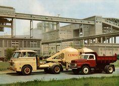 Csepel D-705.15 cementszállító és Csepel D-455 billencs. Promófotó, c1968.