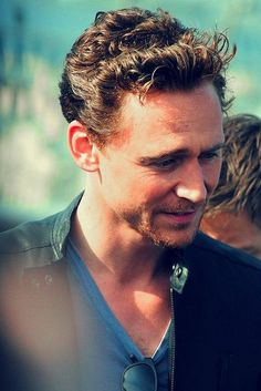 tom hiddleston 17 Afternoon eye candy: Tom Hiddleston (28 photos)