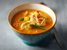 Curry-broilerikeitto | Valio Easy Cooking, Thai Red Curry, Food And Drink, Soup, Ethnic Recipes, Soups, Easy Recipes
