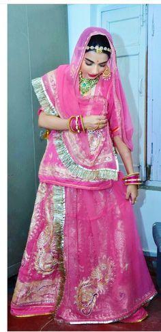 Rajasthani Bride, Rajasthani Dress, Ethnic Clothes, Ethnic Outfits, Pencil Sketch Portrait, Bridal Nose Ring, Indian Wedding Photography Poses, Rajputi Dress, Manish