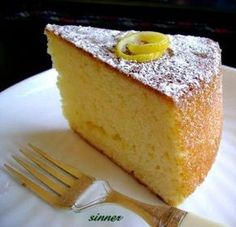 Lemon Yogurt Cake: I cannot praise this cake enough. It has no butter, not much sugar, and has such a lovely light and spongy texture. Additionally, it has a great amount of protein in it from the yogurt. Lemon Recipes, Sweets Recipes, Baking Recipes, Cake Recipes, Lemon Yogurt Cake, Lemon Drizzle Cake, Greek Lemon Cake Recipe, Healthy Lemon Cake Recipe, Greek Yogurt Cake
