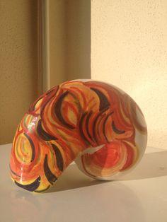 Scultura a forma di conchiglia,realizzata in terraglia,decorata a mano,decorazione originale,pezzo unico,made in Italy