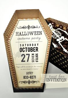 Halloween Treat Box Invitation Halloween Treat Box Invitation Source by meandmyinsanity Halloween Treat Boxes, Scary Halloween Decorations, Halloween Crafts For Kids, Halloween Treats, Happy Halloween, Halloween Coffin, Halloween Birthday, Halloween 2019, Halloween Party Invitations