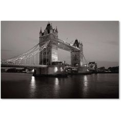 Trademark Fine Art Tower Bridge I Canvas Art by Chris Bliss, Size: 16 x 24, Multicolor