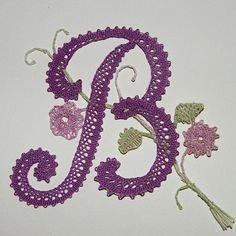 Web Pics and Patterns - Blanca Torres - Picasa Web Albums Embroidery Monogram, Crewel Embroidery, Crochet Alphabet, Web Pics, Bobbin Lacemaking, Bobbin Lace Patterns, Monogram Alphabet, Lace Jewelry, Needle Lace