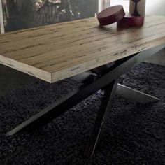 Venice's Briccole Cooper table detail wood top corner