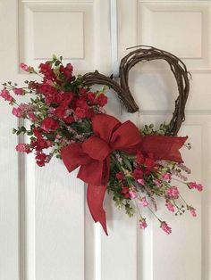 Valentine's Day Wreath, Heart Wreath, Spring Wreath, Valentine's Day Wreath, Wildflower K … Mothers Day Wreath, Valentine Day Wreaths, Valentines Day Decorations, Valentine Day Crafts, Valentine Ideas, Printable Valentine, Valentines Flowers, Homemade Valentines, Valentine Box