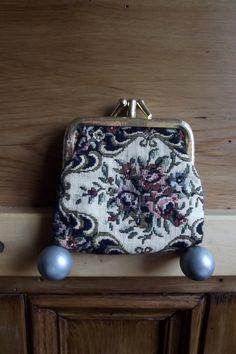 Id love a purse like this!