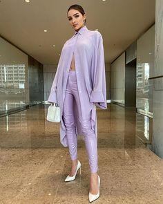 Olivia Culpo Street Style in a Shiny Mauve Skinny Pants, Autumn Winter Hijab Fashion, Girl Fashion, Fashion Looks, Fashion Outfits, Fashion Design, Bold Fashion, Fashion Clothes, Fashion Women, Fashion Ideas