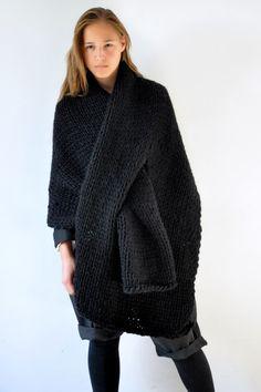 Crush Cul de Sac: sweater scarf