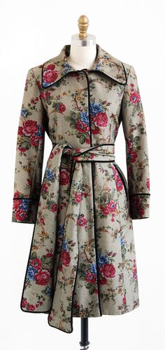 In Love! - vintage 1970s coat by Rococo by RococoVintage