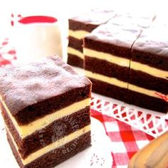 Steamed Chocolate Cake with Cream Cheese Layers