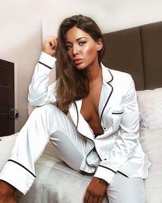 Louise Thompson has nailed the pyjama style! Get her look with the Blanc White pyjama set! Silk Pjs, Satin Pajamas, Cozy Pajamas, Pyjamas, Simple Cocktail Dress, Louise Thompson, Long Sleeve And Shorts, Cute Beauty, Pajamas Women