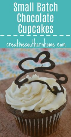 A small batch of easy chocolate cupcakes from scratch! These chocolate cupcakes have a soft, buttery flavor and are so easy to make Melting Chocolate Chips, Oatmeal Chocolate Chip Cookies, Chocolate Desserts, Easy Desserts, Small Desserts, Keto Desserts, Vanilla Frosting Recipes, Homemade Frosting, Cupcake Recipes