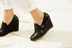 VOYAGE XII  #wedge shoes