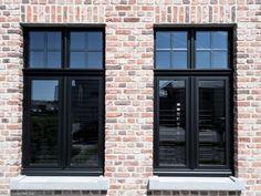 zwarte aluminium ramen met sierlijsten. Ramen en deuren jeurissen33