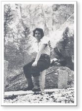 [Rosalind Franklin mountain climbing in Norway]. [ca. 1940s]. Discovered the helical structure of DNA