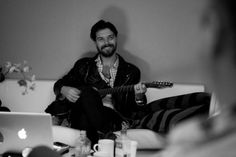 Simon Neil of Biffy Clyro. You sir are too much!! *.*