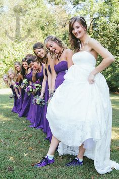 This is what I want but pink dresses for the bridesmaids and pink shoes for me!!
