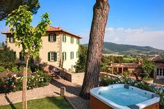 Villa Laura is a beautiful villa for rent in Cortona, Italy. View info, photos, rates here. Porches, Italian Villa, Italian Life, Rustic Italian, Italian Pasta, Italian Style, Tuscan Style Homes, Blue Shutters, French Castles