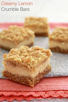 Creamy Lemon Crumble Bars (most popular recipe!) If you love lemons, then you're going to LOVE these Creamy Lemon Crumble Bars with an oaty base, creamy lemon filling and crunchy crumble on top! Baking Recipes, Cake Recipes, Dessert Recipes, Tray Bake Recipes, Kabob Recipes, Fondue Recipes, Drink Recipes, Thermomix Desserts, Gastronomia