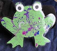 Five Green and Speckled Frogs Craft Think we'll be doing this when we learn the song!